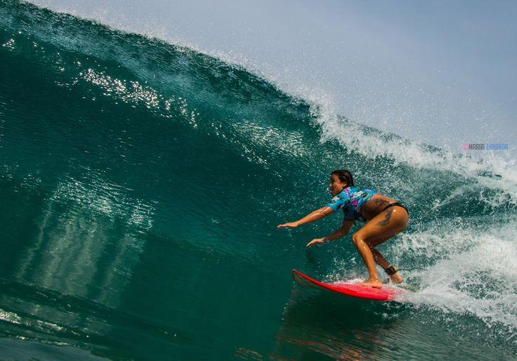 Polly Ralda - Surfeuse pro - Spot de surf : Zicatela, crédit photo Maria Fernanda