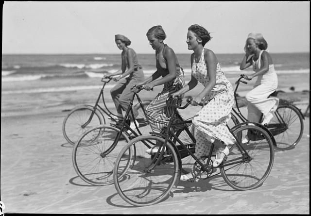 Vintage Copenhagen Bicycle Culture: At The Beaches, Beaches Fun, Summer Beaches, Bike, Vintage Photos, Vintage Summer, Tandem Bicycles, Summer Fun,  Tandem Bicycle