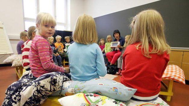 El sistema educativo finlandés ha sido calificado siempre como uno de los mejores a nivel mundial, a continuación se explica sus siete puntos fundamentales: Igualdad.…Continúa leyendo