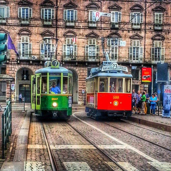 #Torino Colori complementari, foto di Alessia Lanza