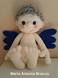 Patrón Amigurumi espectacular de estedulce y divino ángel. Puedes personalizarlo y dar tu toque personal cambiando algunos detalles como color de pelo, ojos, alas, incluso el tono de piel.