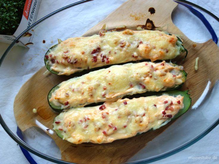 Zucchini-Schiffchen, lecker mit Frischkäse, Zwiebeln und Schinken – Meine Stube
