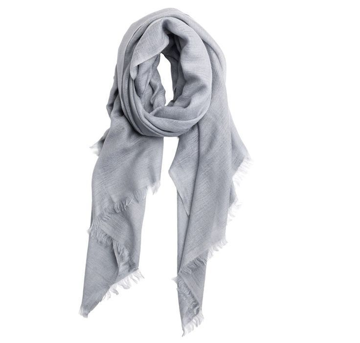 Holiday gifts for women: Vilassi cashmere scarf