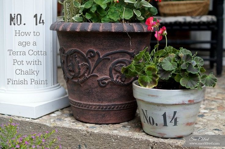 It's front porch sitting time...  Time to spruce up those boring terra cotta pots with a little paint and stencils. [media_id:3397317] I decided to give this pl…
