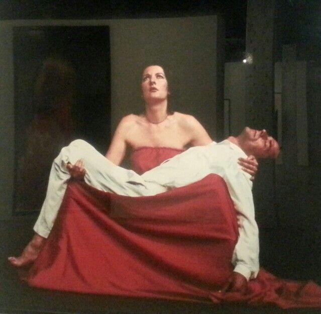 """""""Pietá"""". Marina Abramovich en la Colección de Fotografía Contemporánea de Telefónica. Madrid. #Fotografía #Arterecord 2013 https://twitter.com/arterecord"""