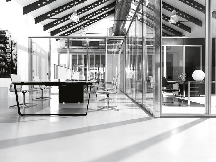 Interoffice Global Ltd works with all our client in order to set up an office that allows to their team to feel comfortable, efficient and productive, all with free services included.