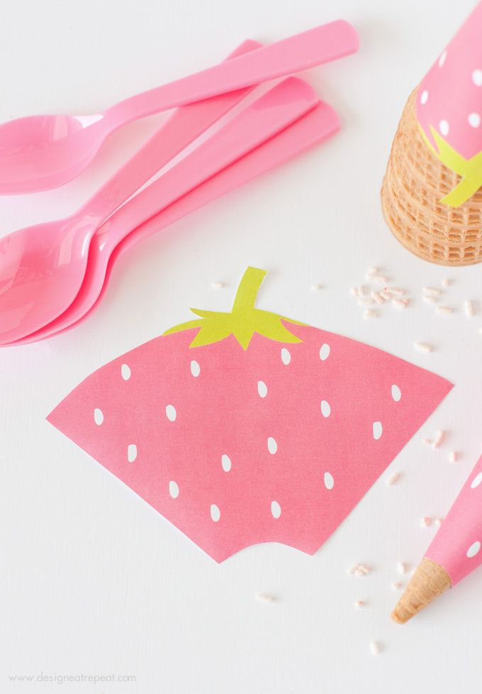Free Printable Strawberry Ice Cream Cone Wrappers