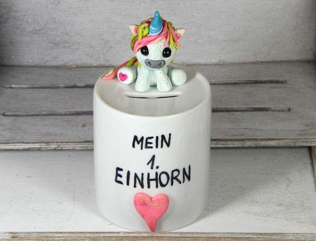 **Einhorn Spardose** geeignet als Geldgeschenke Geburtstagsgeschenk mit supergoldigen handmodelliertem Einhorn von _My-SweetHeart_  Eine süße Geldgeschenke zum Geburtstag Geschenkidee, um...