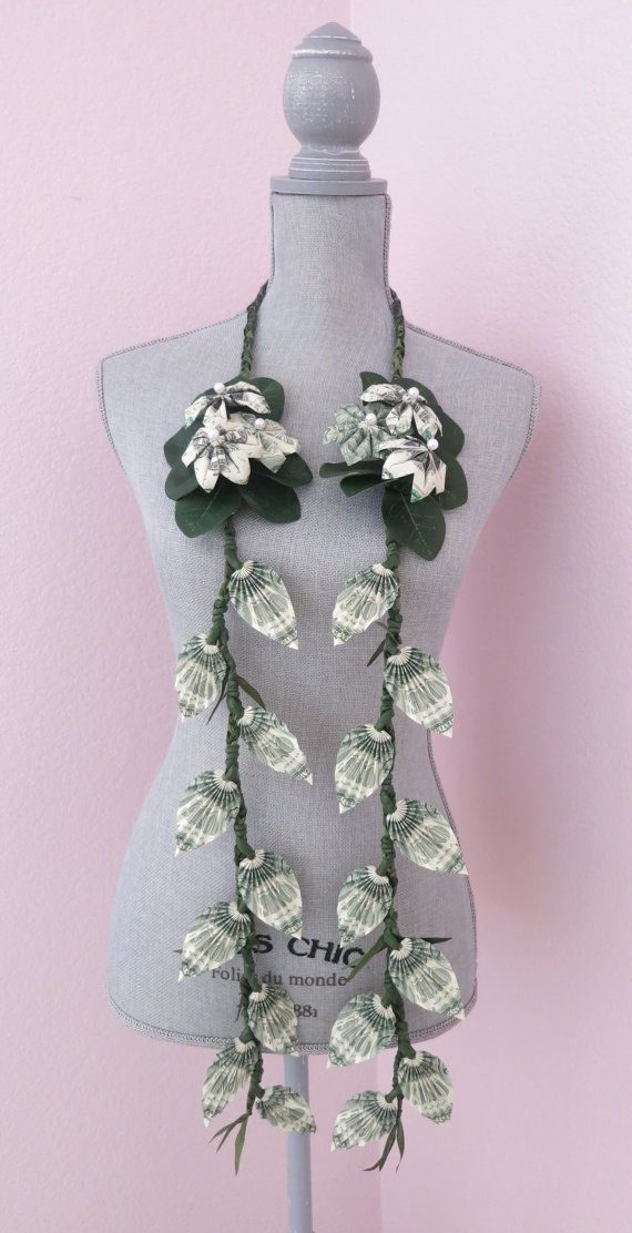 Money lei (one dollar bills) – perfect for your sp…