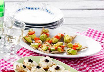 Rugkiks med krydret avocadosalat
