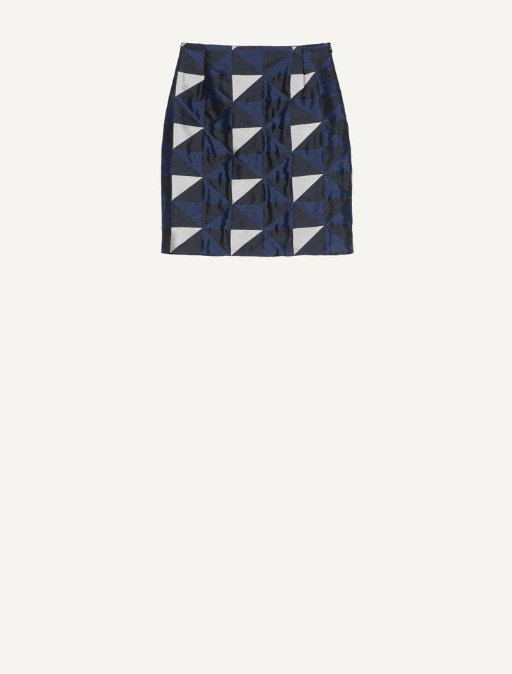 MAX&Co. - Gonna jacquard a disegno geometrico, Fantasia Blu Marino - Capo MAX&Co. Boutique. Gonna di tessuto jacquard a disegno geometrico. Silhouette diritta. Vestibilità asciutta. Vita regular. Lunghezza a metà coscia. Chiusura con zip invisibile al fianco. Foderata. Per questo capo è stato utilizzato un tessuto esclusivo, concepito dai designer MAX&Co. e realizzato in Italia da tessitori specializzati, capaci di unire tradizione artigianale e tecnologie d'avanguardia. Fonte…