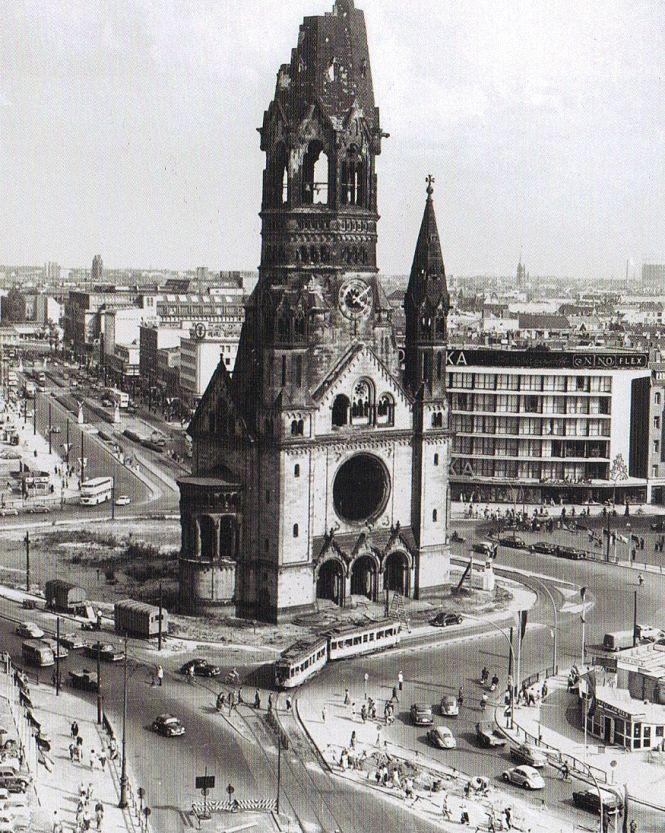 BERLIN 1958, Blick auf die Gedächtniskirche und den Tauentzien