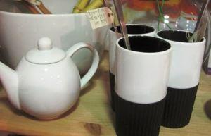 Mugs o tazones para no quemarse, con silicona en la parte inferior.