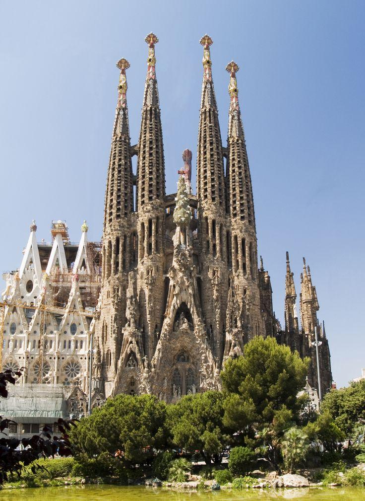 Barcelona - Gaudi's gorgeous Segrada Familia