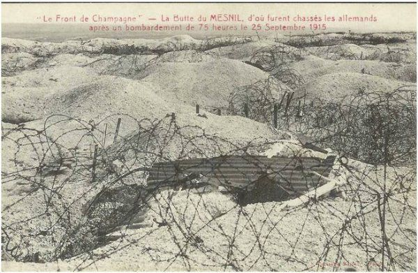 WWI, 1915, Champagne front, Mesnil, abandoned French trench after bombardement of 75 houres by the Germans, 25 Sept 1915.