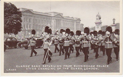 L P Postcard - Guards' Band returning from Buckingham Palace after Changing of the Guard, London - LP465