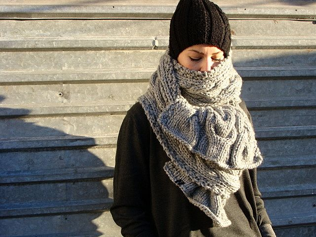 Nudakillers - big scarf, oversize, cable pattern, handmade, knitted