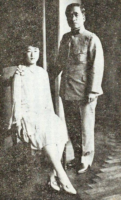 梨本宮伊都子の長女(方子ーマサコ)1920年韓国皇太子李根と結婚。Crown Prince Euimin of Korea and Princess Masako Nashimoto of Japan in wedding day