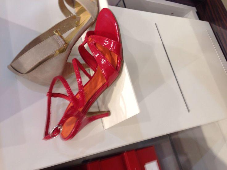 #Rode sandalen