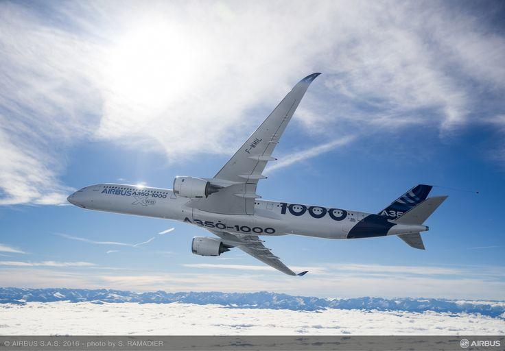 (Video) Airbus A350-1000 a încheiat cu succes primul zbor