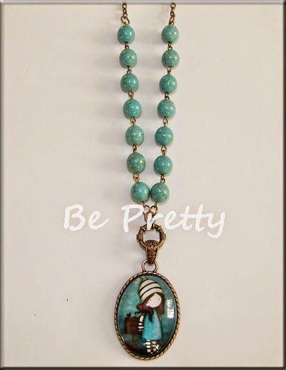 Colar comprido com medalhão Gorgeous e pedras naturais - turquesa.