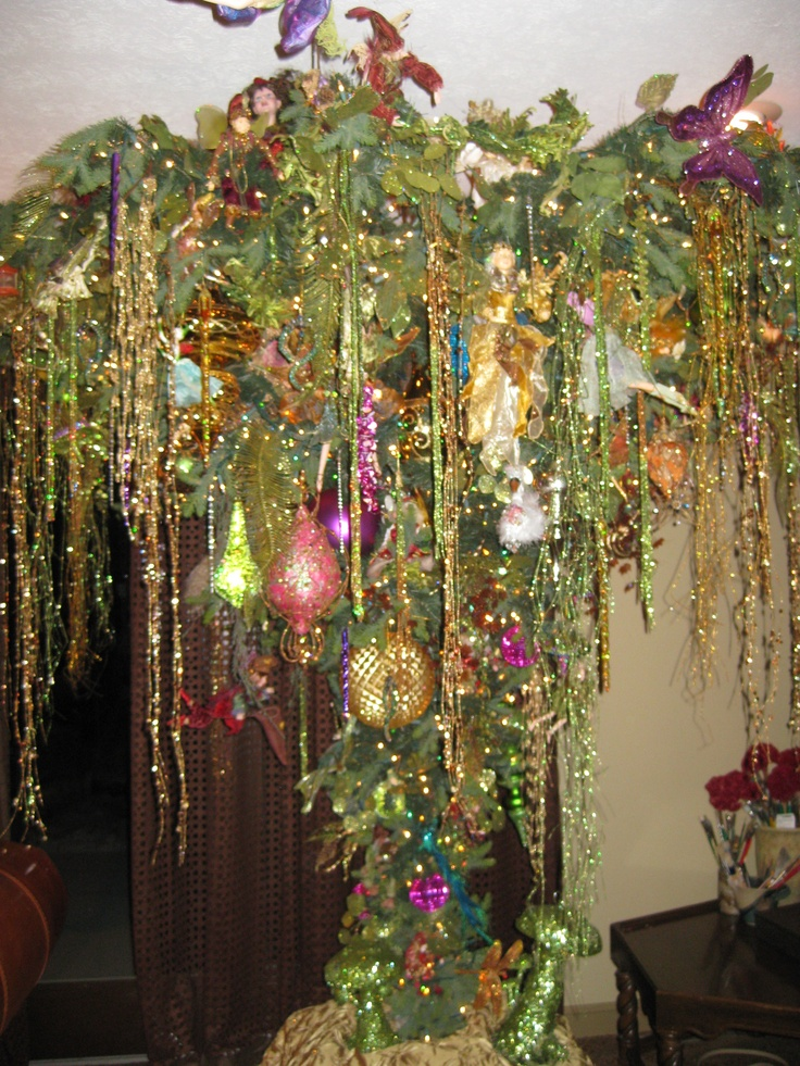 17 Best images about UPSIDE DOWN CHRISTMAS TREES! on Pinterest | Trees, Hanging upside down and ...