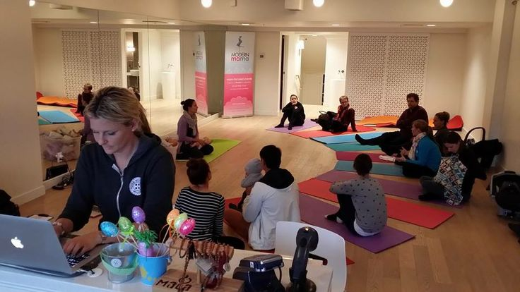 Our latest child & infant CPR seminar at YogaButtons Kids Yoga Studio. We had delicious Cobs snacks to eat afterwards - don't miss the next session: https://www.facebook.com/modernmamavancouver