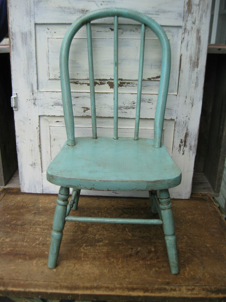 Love the color. Adds such character. - 97 Best Antique/Vintage Child's Chair Images On Pinterest Antique