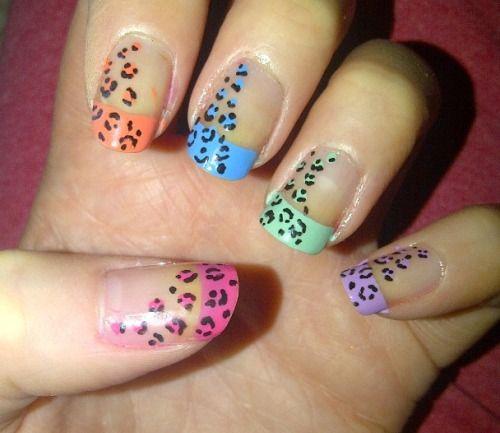 Uñas con estampado de leopardo en colores pasteles #Leopardo #Colores #Pasteles