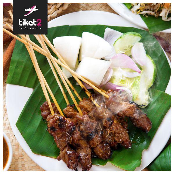 Sebutkan salah satu makanan yang mudah sekali kita jumpai di setiap provinsi Indonesia selain #Sate