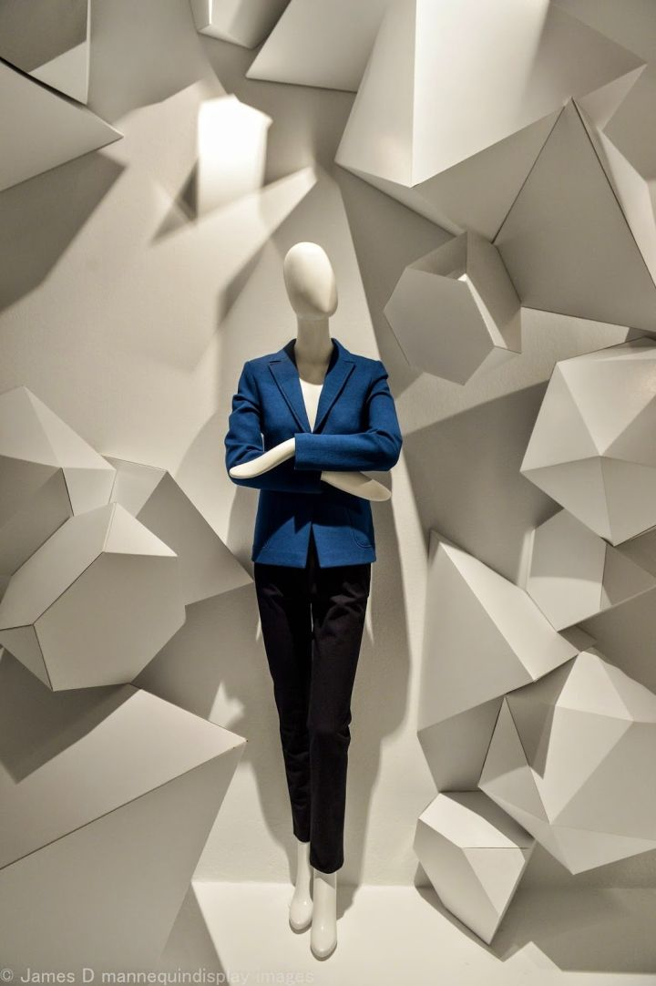 Holt Renfrew Windows 2015 https://www.pinterest.com/AnkAdesign/window-decorate-2-display/