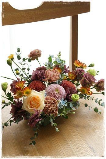 『【今日の贈花】ブラウンと水色の秋』http://ameblo.jp/flower-note/entry-11695152072.html