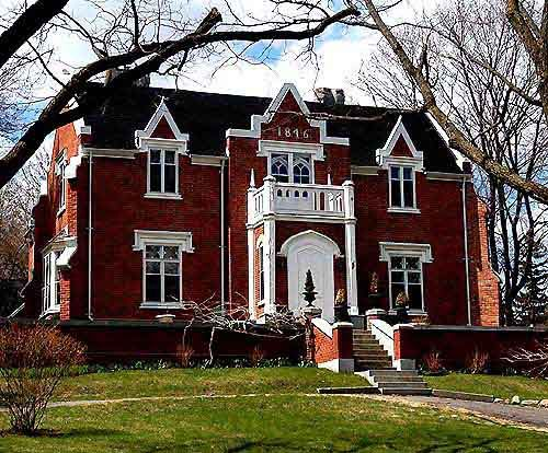 Red brick Gothic Revival: Ontario Canada, Periodic Revival, Beautiful Homes, Revival Mansions, Gothic Revival, Revival House, Beauty Facades, Front Doors, Beauty Architecture
