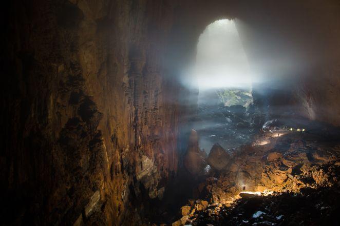 A caverna só é acessível através de uma trilha pelo parque nacional Phong Nha-Ke Bang