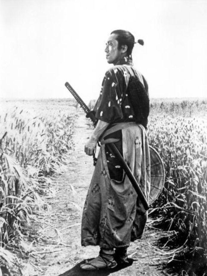 интерьере фото японские самураи вов фоне крикливых
