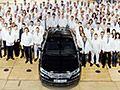 """Subito auto Volkswagen Phaeton addio la fabbrica trasparente si aggiorna  Dopo quattordici anni di produzione la Volkswagen Phaeton esce di scena con l'ultimo esemplare dell'ammiraglia tedesca che il 18 marzo ha lasciato la """"fabbrica trasparente"""" di Dresda.... #auto #automobili #offerte #vendo #km0 #usato #automobile #macchine #automobilismo #macchina #autovettura #automoto #autoveicolo"""