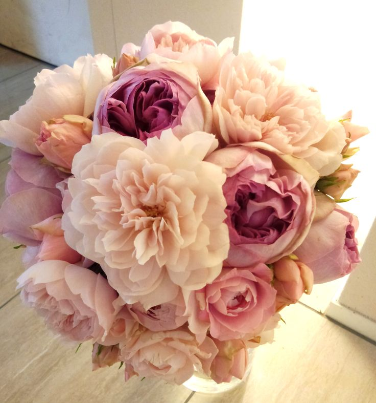 # Vress et Rose # Wedding # pink #smoky pink #girly chic# Round # bouquet #clutch bouquet # natural # Flower # Bridal # ブレスエットロゼ #ウエディング# ピンク #スモーキーピンク #ガーリーシック #シンプル # ブーケ #クラッチブーケ # ナチュラル# 花 #シャクヤク#バラ# ブライダル#結婚式