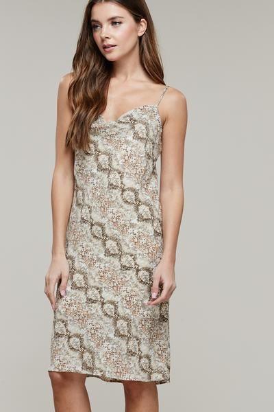 e10eca3d082b Abstract Snake Print Slip Dress #snakeprintdress #snakeskindress  #snakeprintmididress #mididressstreetstyle