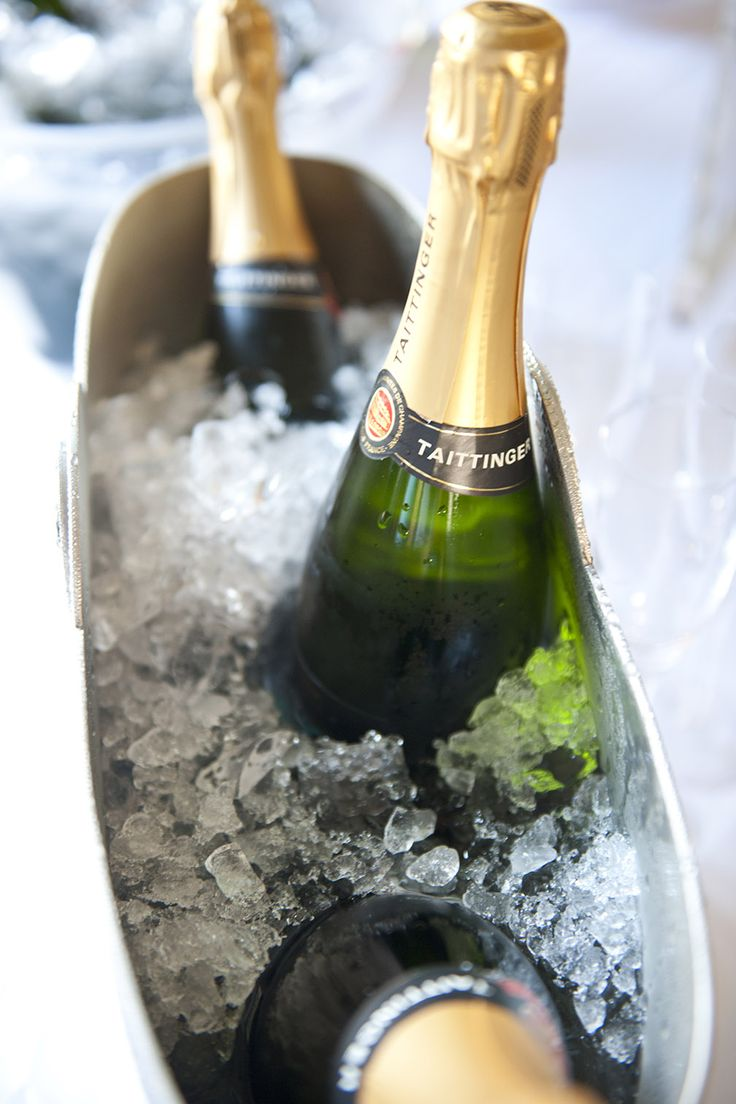 Enjoy a weekend of pure indulgence. Pair your caviar and oysters with the famous Taittinger Champagne. It's a classic match. #LuxuryCard #ExperienceMore #eatdrinkandbemerry