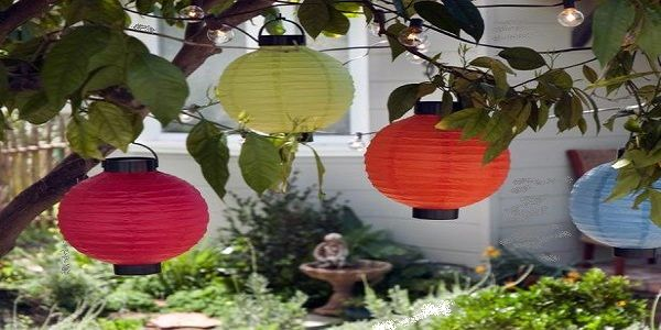 Cool DIY Backyard Design with Lantern Decoration