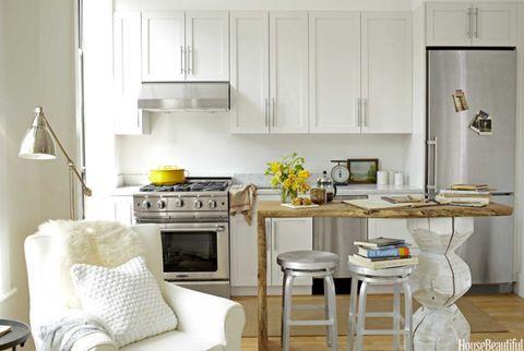 A Tiny Kitchen | Kleine wohnung küche, Wohnung küche ...