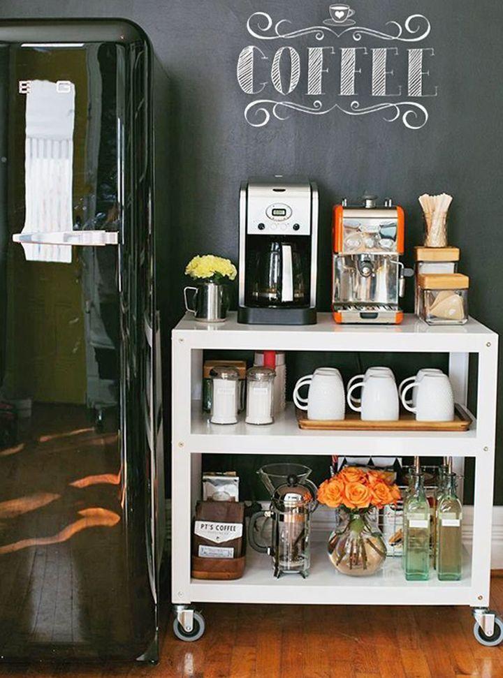 Um cantinho charmoso para o café: https://www.casadevalentina.com.br/blog/COMO%20MONTAR%20UM%20CANTINHO%20DO%20CAF%C3%89 ----------------------------------------- A charming setting for coffee: https://www.casadevalentina.com.br/blog/COMO%20MONTAR%20UM%20CANTINHO%20DO%20CAF%C3%89