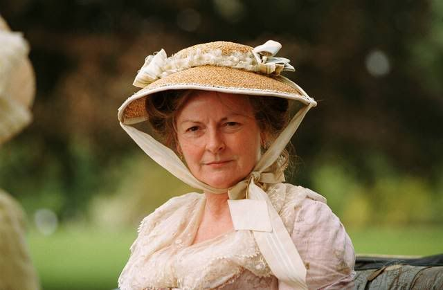 mrs bennet Mrs bennet is the wife of her socially superior mr bennet and mother of elizabeth and her sisters she is frivolous, excitable, and narrow-minded, and she imagines.