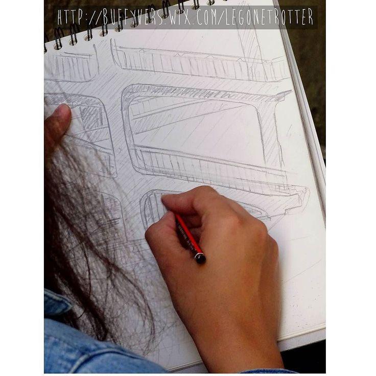La #courdesvoraces à la #croixrousse de #lyon à toujours été une #inspiration pour les #etudiants des #beauxarts et #architecture avec son #escalier #typique  #onlylyon #monlyon #igerslyon #lyonnais #canut #architectureporn #dessin #croquis #crayon #traboules #syndicat #revolte #1848 #archilovers #architecturelovers #histoire #soierie #soieriedelyon by Noam