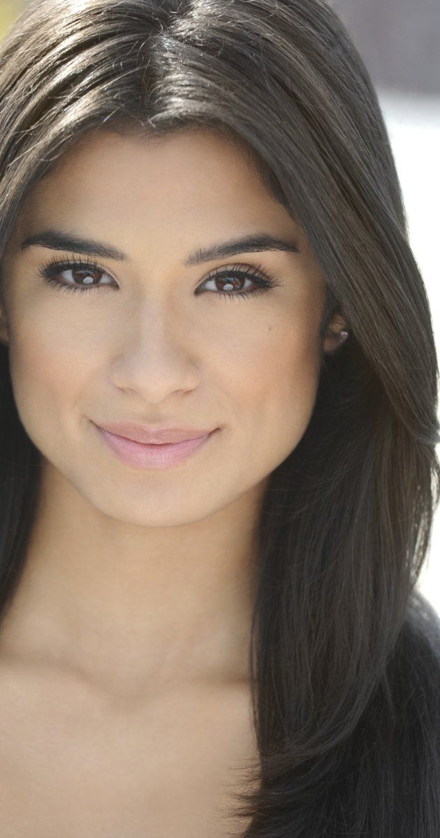The ever gorgeous Diane Guerrero from Orange is the new black