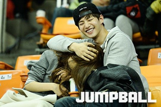 Kim So Eun & Song Jae Rim (solim couple) @ basketball stadium