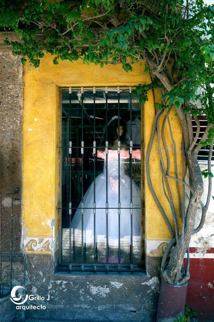 La novia presa, Ventana en San Juan del Río. Qro. Méx