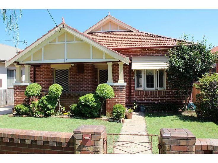House For Lease - 19 Hebburn Street - Hamilton East , NSW