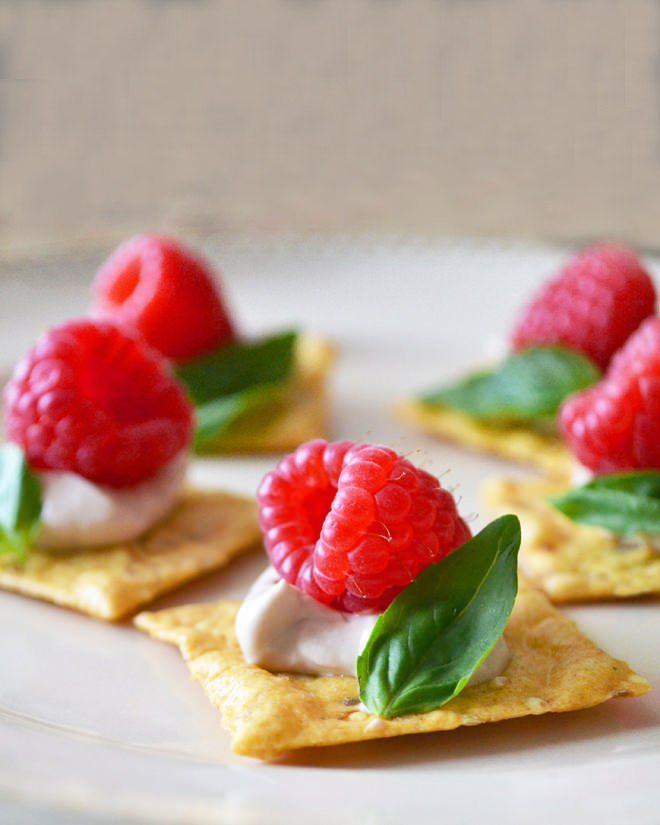 1515 best ideas about comforting comfort food on pinterest for What is a canape appetizer