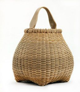 "Cathead Teardrop, white oak Basket by Leon Niehues, 2005 - 8.5"" x 6.75"" In ""A Measure of the Earth: The Cole-Ware Collection of American Baskets"" at the Smithsonian's Renwick Gallery Oct.13 - Dec.8, 2013, Washington, DC #finecraft"